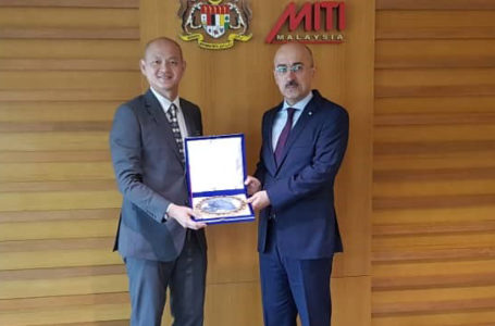 Meeting of the Ambassador with the Deputy Minister of International Trade and Industry of Malaysia
