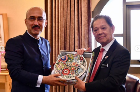 Meeting with  the Minister of Tourism, Arts and Culture  of Malaysia