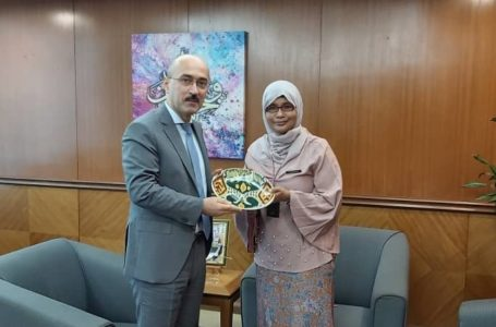 Meeting of the Ambassador with the Undersecretary of Multilateral Economics and Environment Division of  the Ministry of Foreign Affairs of Malaysia