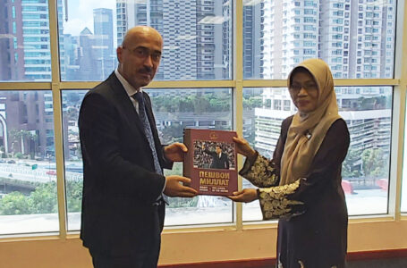 Meeting of the Ambassador of the Republic of  Tajikistan to Malaysia with  Maizan Binti Ismail Director General of National Library of Malaysia